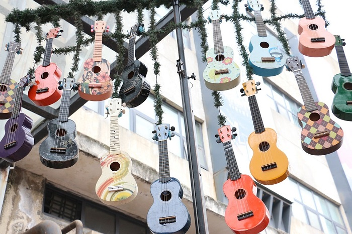 fake guitars